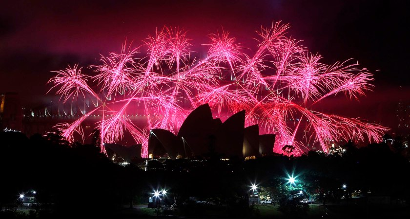 sydney-harbour-new-years-eve-fireworks-2013-3
