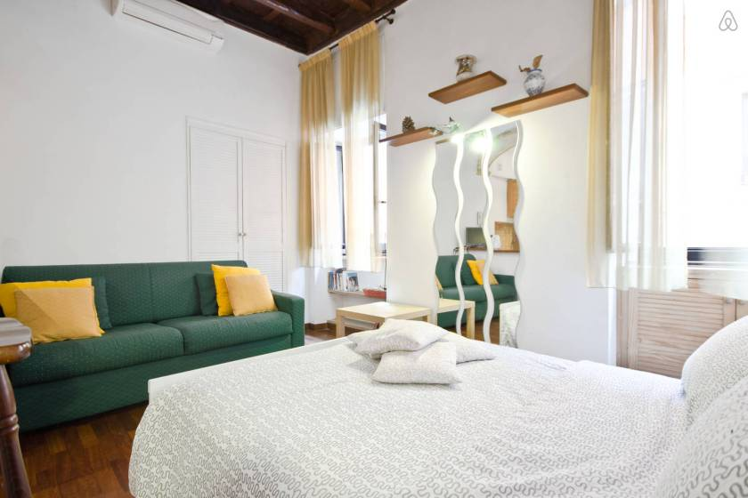 First experience with airbnb in rome 100 days of sunshine for Airbnb roma